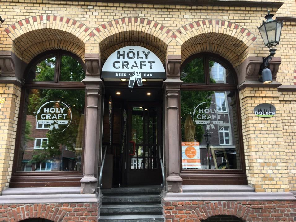Holy Craft Beer Bar Eingang (Foto privat)