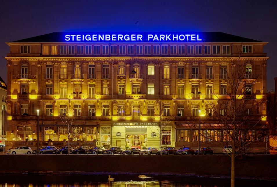 Nachtansicht-Steigenberger-Düsseldorf_HQ_1