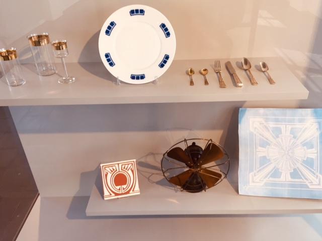 Besteck, Geschirr, Gläser, Kacheln, Ventilator - Allround-Designer Peter Behrens